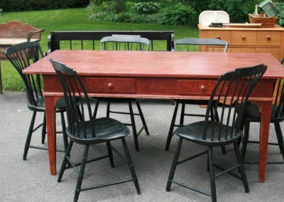 Wilno table with windsor chairs