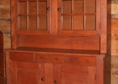 glazed door hutch 3 drawer good