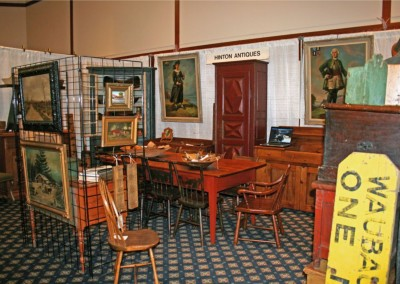 Hinton Antiques - Collection Management 3